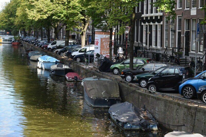amsterdam parkeerwekker kort geding