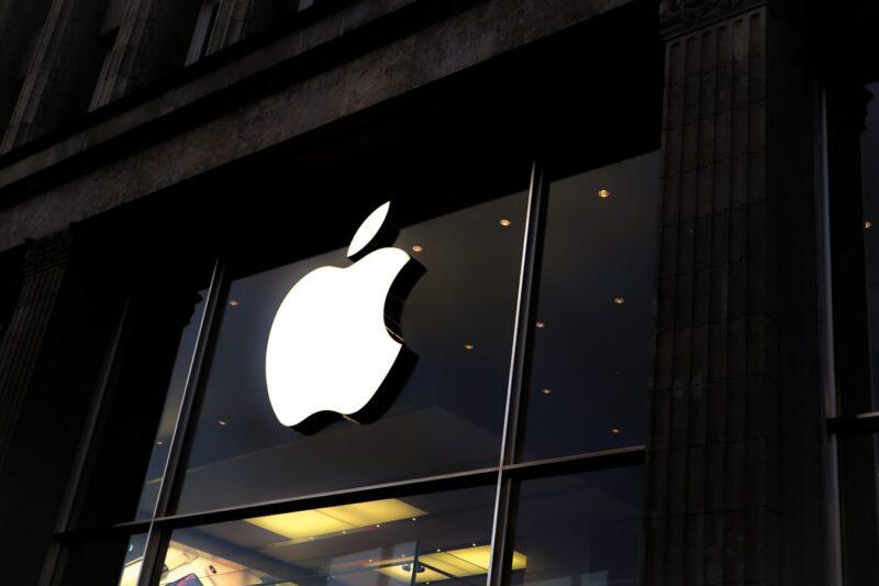 apple aangeklaagd door cydia