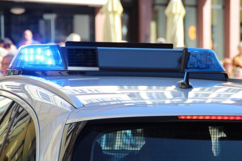 politie kijkt mee intern zoekgedrag