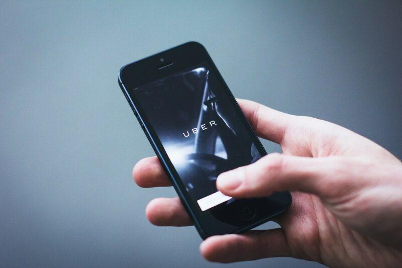 uber stopt zelfrijdende auto